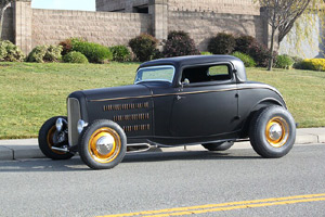 Click to View Roy Brizio Street Rods Completed Cars - George Ayala - 1932 3 Window Coupe -  Tracy CA