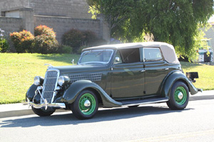 Click to View Roy Brizio Street Rods Completed Cars - Nick Testa Laguna Hills CA 1935 Ford 4 door convertible